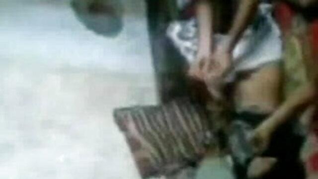 मीठे गलफुल्ला नरम स्तन वेब कैमरा चश्मे एक्स एक्स एक्स वीडियो एचडी मूवी में