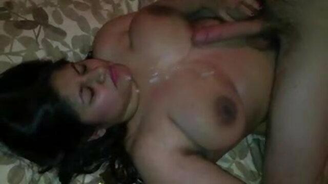 गर्म शौकिया प्रेमिका घर पर बेकार है हिंदी सेक्सी फुल मूवी और बेकार है