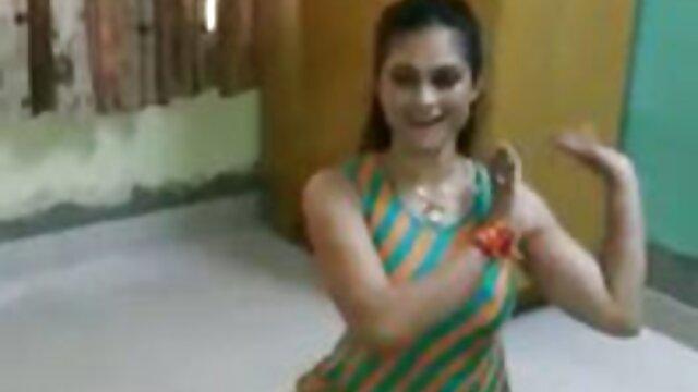 मेरी हिंदी मूवी फुल सेक्स पत्नी गर्म है