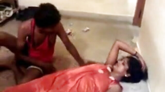 शौकिया त्रिगुट हिंदी में सेक्सी वीडियो मूवी