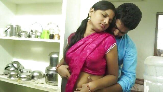 उसे वास्तव में बड़े की जरूरत है हिंदी वीडियो सेक्सी मूवी फिल्म