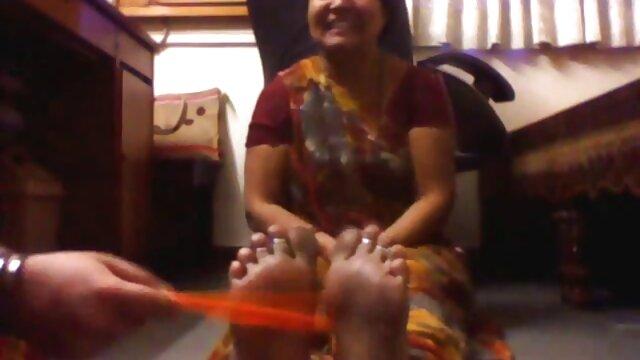 एक ग्लैमरस सेक्सी फिल्म हिंदी वीडियो मूवी गधा।