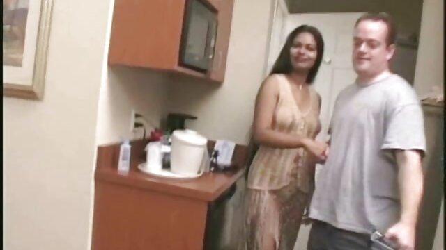 एक सेक्सी किशोर के साथ एक महान फुल हिंदी सेक्स मूवी गुदा