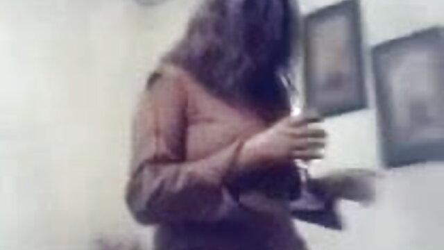 मालकिन सेक्सी मूवी वीडियो हिंदी में उसे बहिन दास चोदता है