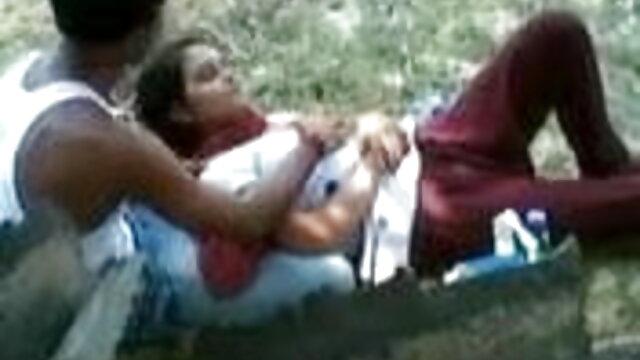सिली लड़कियां लड़ती हैं और चोर को कड़ी चुदाई से सेक्सी मूवी हिंदी में वीडियो सजा देती हैं