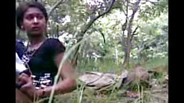 हॉट हिंदी सेक्सी पिक्चर फुल मूवी वीडियो ब्लोंड डांसिंग क्रेजी