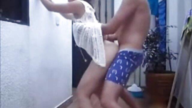 प्यारा गोरा सेक्सी मूवी हिंदी वीडियो चूसने
