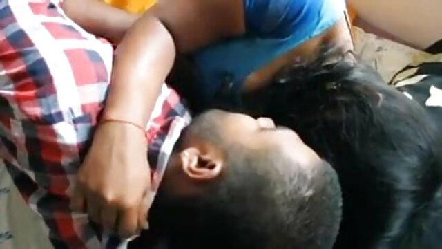 वेब बॉलीवुड सेक्सी हिंदी मूवी कैमरा स्क्वीटर