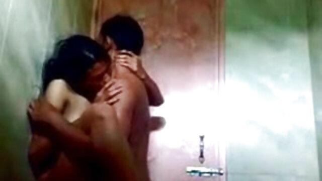 युवा चीटर इसे गहरा और मोटा लेता है सेक्सी वीडियो हिंदी मूवी