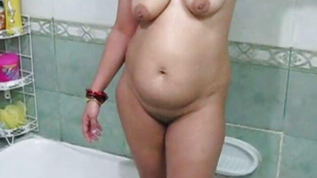 मजबूत महिला सेक्सी वीडियो एचडी मूवी शीर्ष पर हावी है