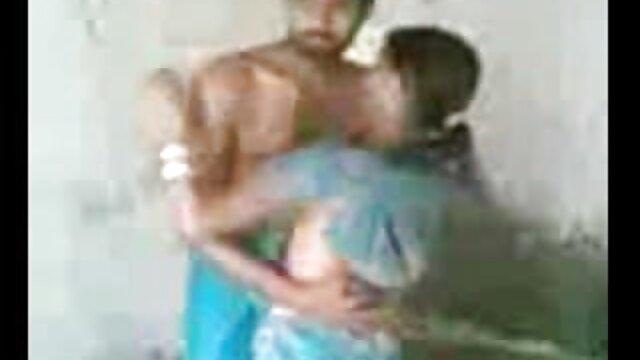 कनाडा की शैंडा फे ने फुल हिंदी सेक्सी मूवी बाहर की चुदाई!