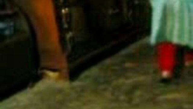 खाने फुल सेक्सी वीडियो फिल्म वाली चूत