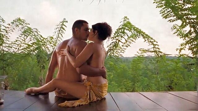 एक सुस्वाद श्यामला सब दिखाती है फुल मूवी वीडियो में सेक्सी