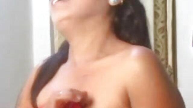 एक न्यू सेक्सी हिंदी मूवी और आदमी के साथ लेस्बियन सुपरस्टार लिसा