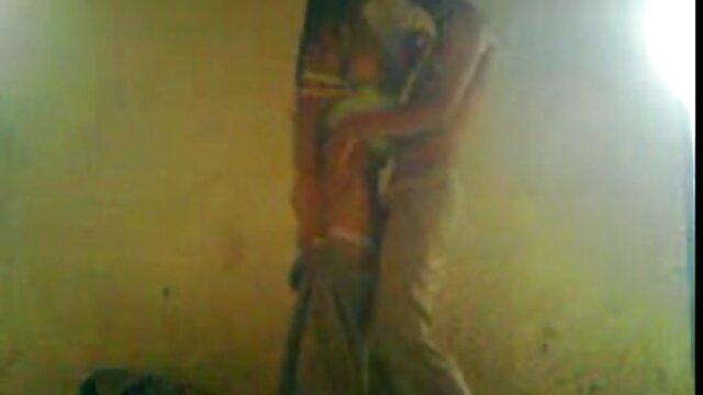 हैंड सेक्स हिंदी मूवी फुल वेटेज पोर्शन मूवी की मदद करना