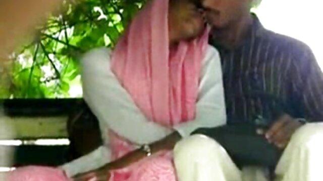 फूहड़ milf और हिंदी में सेक्सी वीडियो मूवी 2 बीबीसी के साथ गर्भवती