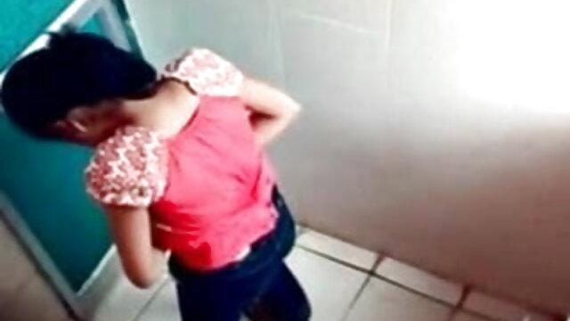 पति प्यार सेक्सी हिंदी फिल्म मूवी वीडियो जब बीबीसी उसकी पत्नी (व्यभिचारी पति) बकवास