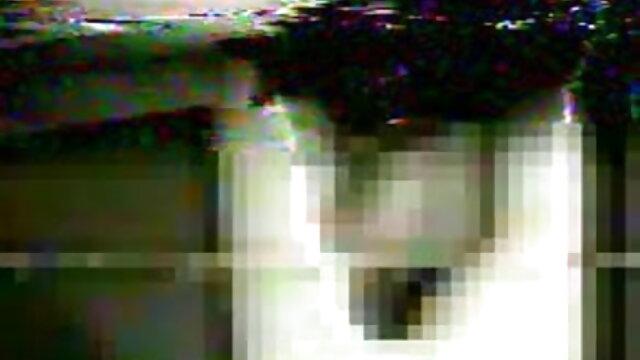 दो अप्सराओं सेक्सी मूवी हिंदी एचडी के साथ गुदा त्रिगुट