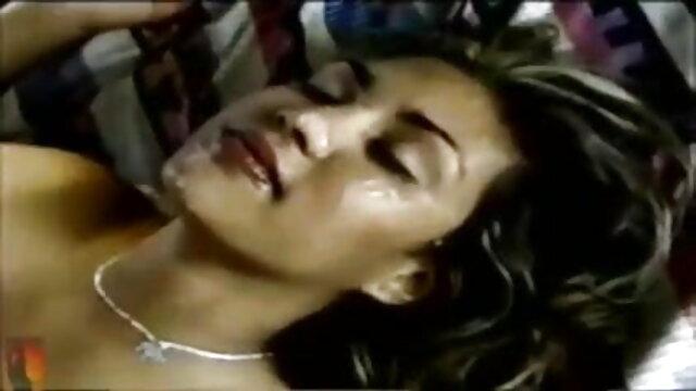 गर्म आबनूस युगल फुल सेक्सी वीडियो फिल्म बाहर खेलते हैं